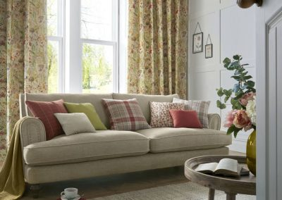 Country+Chic+roomset+features+Aylesbury+curtains